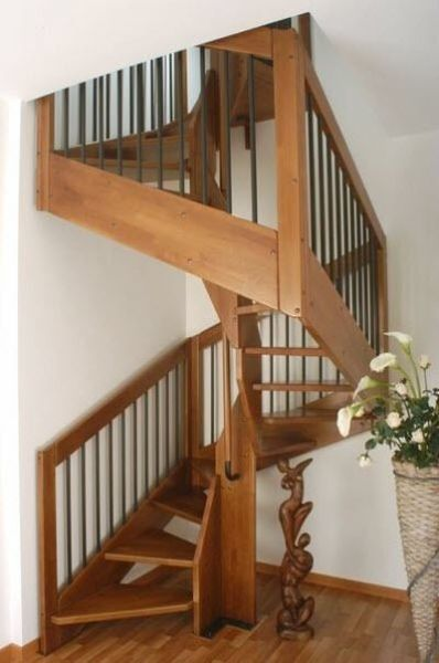 square-spiral-staircases-lateral-stringer-wooden-steps-glass-frame-57831-2249641
