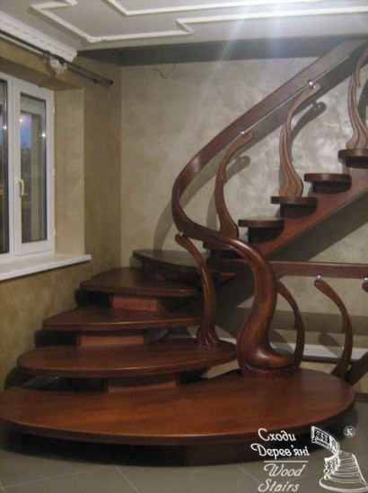 wood-stairs-IMG_0090