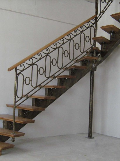 wood-stairs-IMG_0808