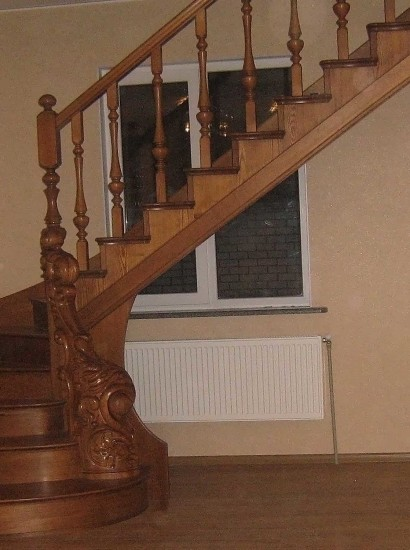 wood-stairs-IMG_1328